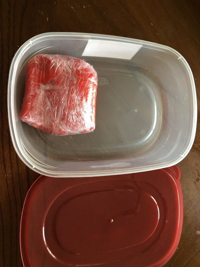 storing fondant in airtight container