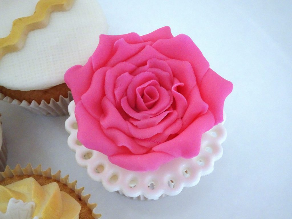 rose cupcake toppers