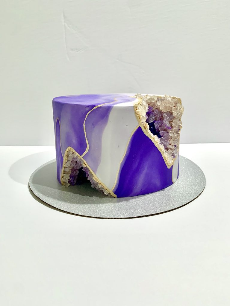 side view of the completed geode cake