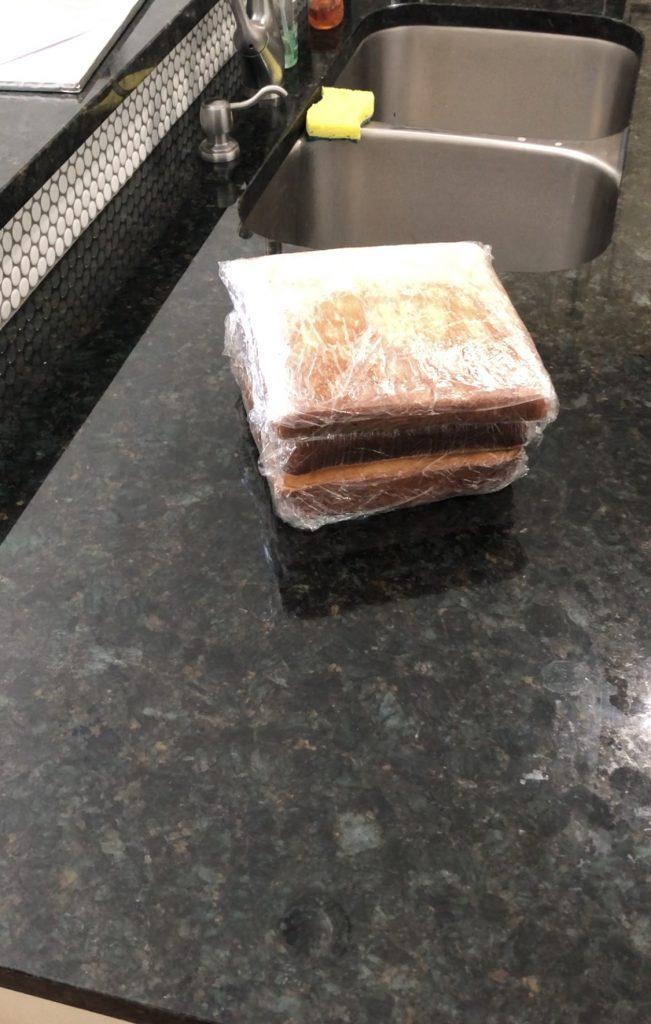 freezing a cake